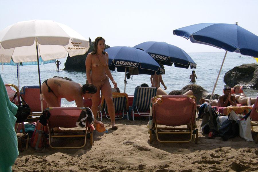 From Greece With Love! , Mia Gynaika Me To Mouni Exo Itan Konta Mou Opos Kai Alles Gyro... Vgalte Symberasmata Pou Ftanei I Poutania!!!!! Ptaneeeeeesss! Whoreess!!!