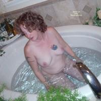 *gg Lusty Lesbians' Hot Tub Fun
