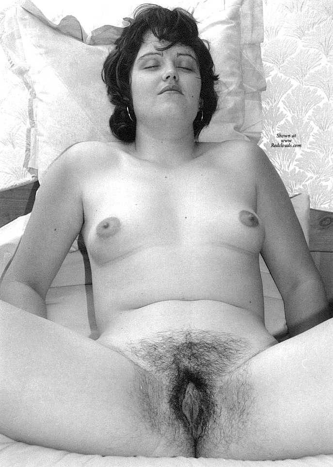 Pic #1Zara Bush Posing Naked For The First Time - More 02 - Brunette, Gf, Bush Or Hairy