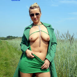 Sunday 10.00 am  - Big Tits , Sexy Babe, Blonde, Outdoor Nudity, Exhibitionist