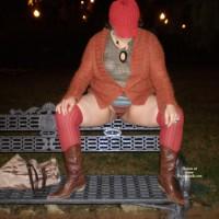 Spanish Newbie Outdoor City Park , One Winter Cold Night, Girlfriend Was Hot And Wanted To Show It Here.<br />Una Fria Noche De Invierno Mi Novia Sintio Calor Y Lo Demuestra Aqui.